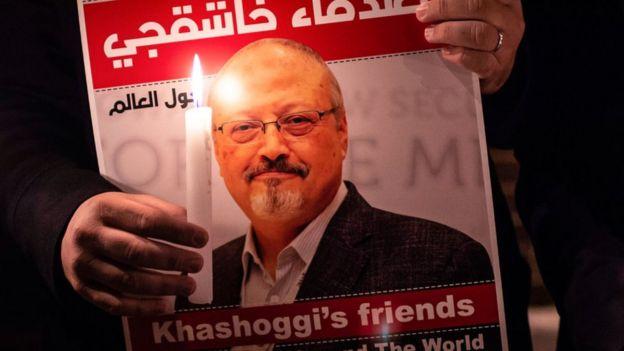 Imagen del periodista asesinado Jamal Khashoggi en un cartel