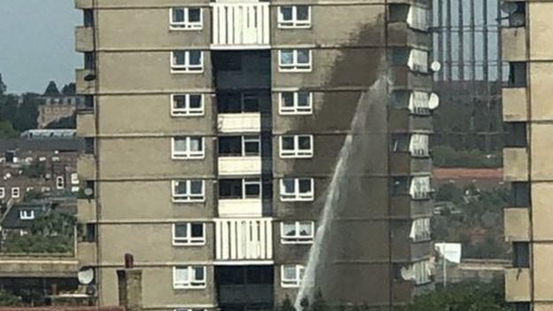 Notting Hill tower block flat fire near site of Grenfell ...