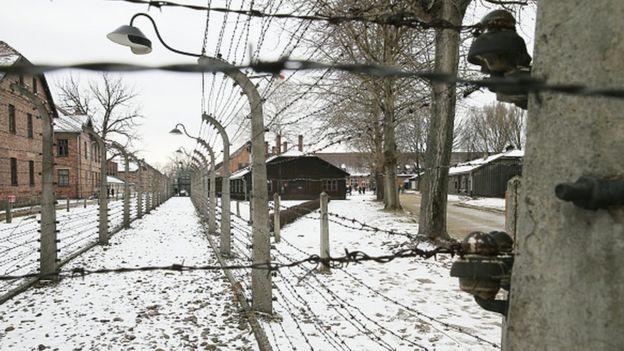 Almanya, 2. Dünya Savaşı'nda en büyük toplama kampı olan Auschwitz'i, işgal ettiği Polonya topraklarında kurmuştu.