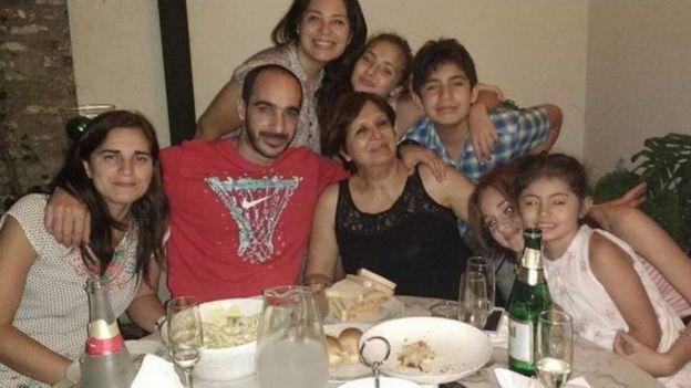 Olga Díaz con parte de la familia