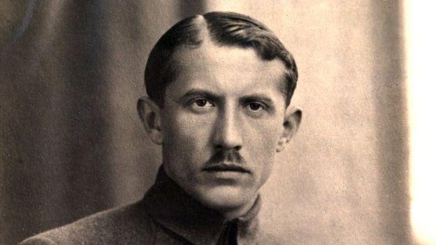 Евгений Коновалец был одним из командиров Сечевых стрельцов, а позже стал первым руководителем ОУН