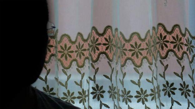 அலி (அவருடைய உண்மையான பெயர் அல்ல) தம்மை அடையாளம் காட்டிக்கொள்ள விரும்பவில்லை