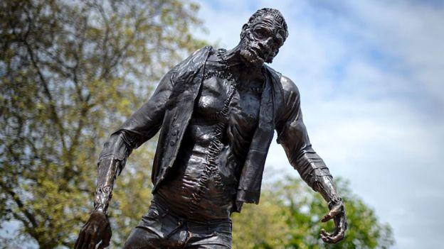 Estatua del monstruo de Frankenstein en Suiza