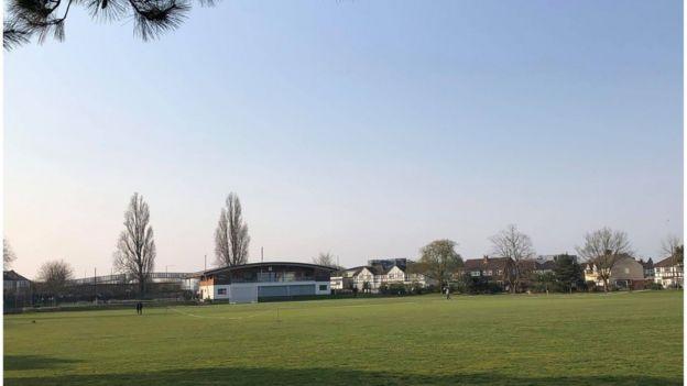 Sân cricket địa phương, có từ thế kỷ thứ 18