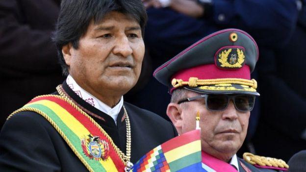 Morales y el comandante del Ejército, Williams Kaliman