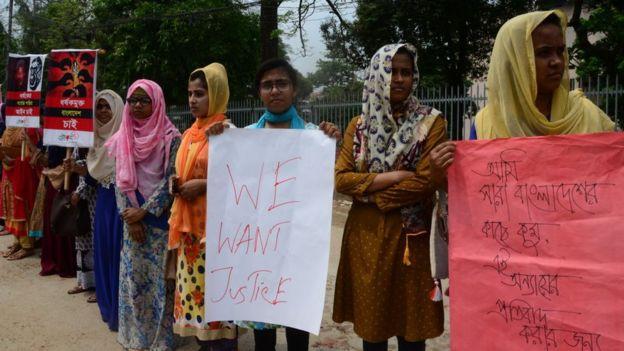 Protesta en Bangladesh por la muerte de Nusrat Jahan Rafi