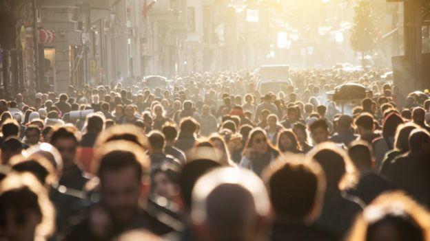 Personas caminando (genérica).