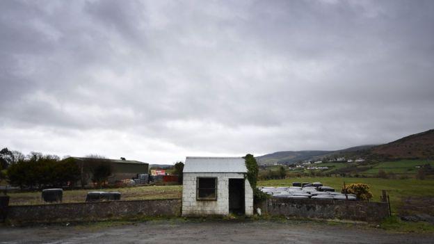 İrlanda İngiliz sınırındaki kulübe