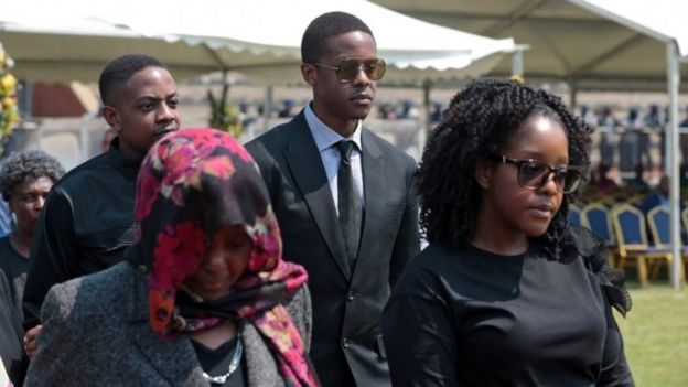 Members of the Mugabe family prepare to view the body of the late Zimbabwean president on September 13 in Harare