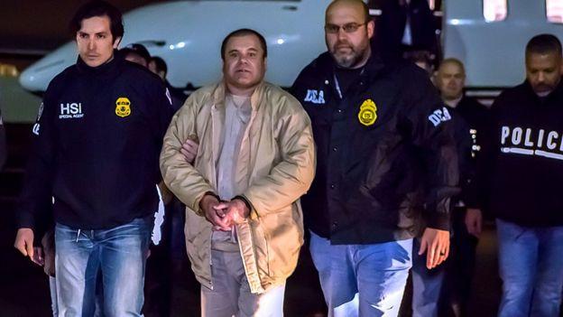 Guzmán es custodiado por agentes de EE.UU.