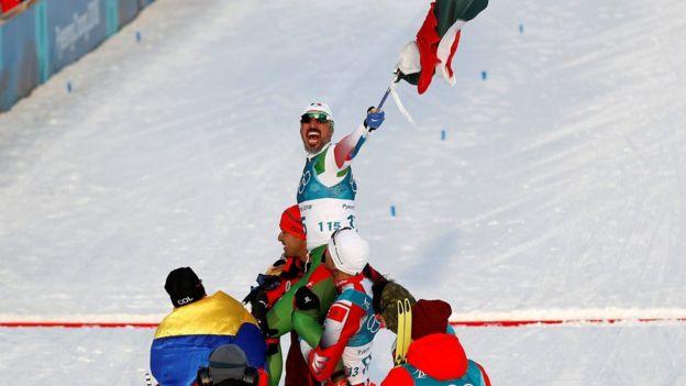 Germán Madrazo es levantado en hombros