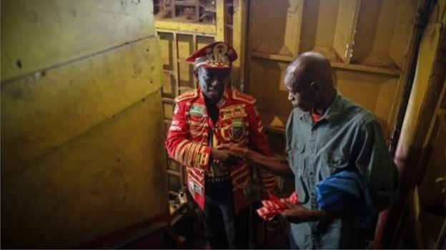 Amekuwa akishirikiana na wadau wengine kuangazia Ukimwi na maabukizi suala amabalo bado halizungumziwi hadharani