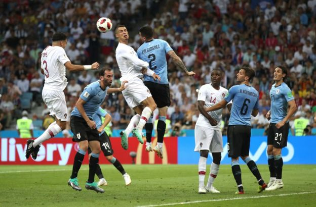 Pepe remata cuando todos estaban pendientes de Ronaldo.