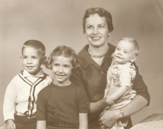 Diamond com 3 de seus filhos