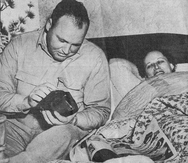 Eugene y Ann Hodges, en un artículo de diario de la época