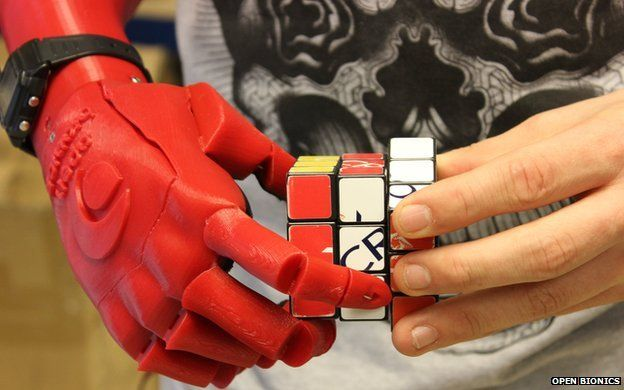 Open Bionics robotic hand for amputees wins Dyson Award - BBC News