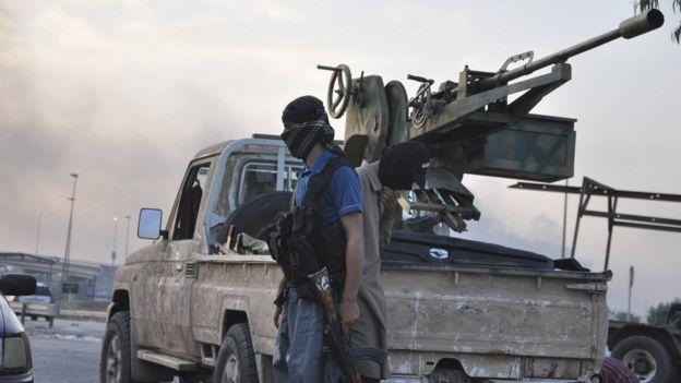 مسلحو تنظيم الدولة في الموصل (2014)
