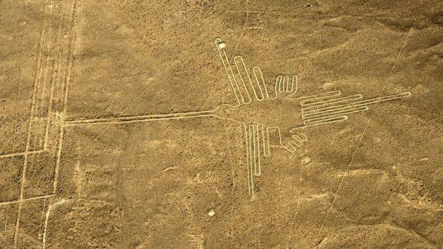 O colibri é uma das figuras mais complexas e emblemáticas de Nazca.