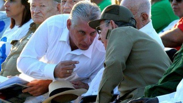 Más que en sus palabras, algunos prefieren fijarse en sus gestos. Foto: AFP