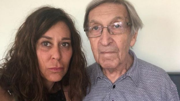 Ximena Hinzpeter junto a su padre