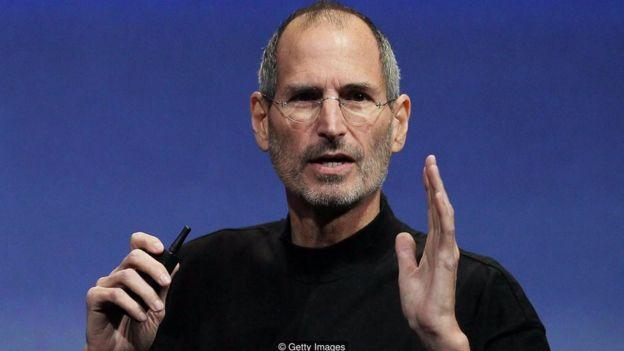 Steve Jobs trong năm 2010, sử dụng nhiều thủ thuật nói và cử chỉ cần thiết để truyền cảm hứng cho những người theo ông