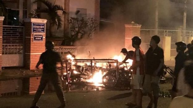 有100多名示威者被逮捕,示威者與警察發生流血衝突,多名警察和示威者受傷。