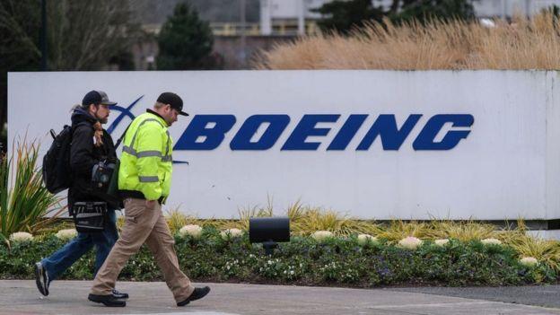 Cơ quan kiểm soát yêu cầu 737 Max không bay sau tai nạn