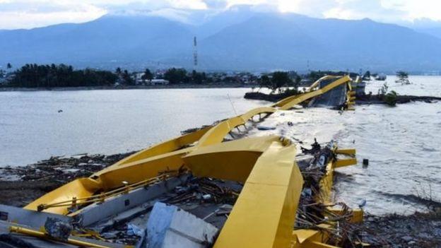 جسر بونوليلي الشهير في بالو انهار
