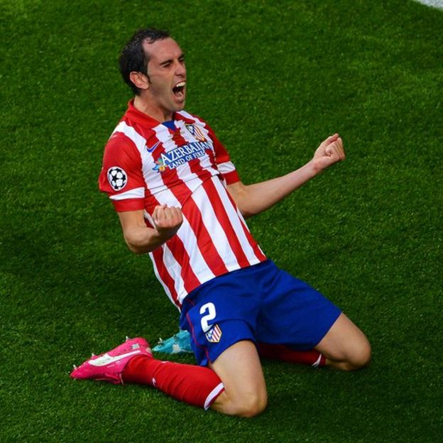 Godín celebra su gol en Lisboa