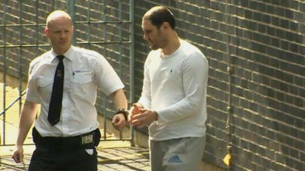 Terry Whall, cuando dejó la corte el lunes 25 de febrero.