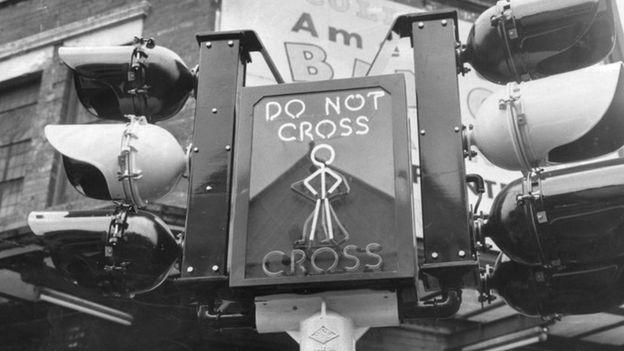 Un semáforo de los años 60 en Londres