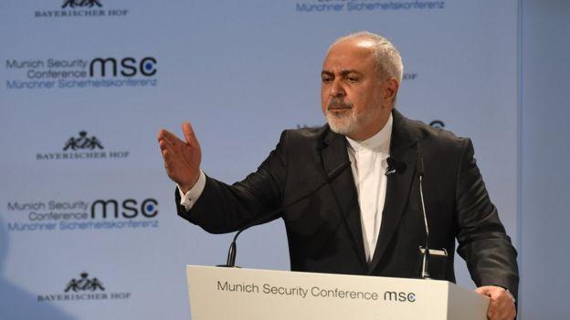 محمد جواد ظریف در کنفرانس امنیتی مونیخ سخنرانی کرد و سپس در حضور مخاطبان به سئوالات گزارشگر بیبیسی که میزبانی جلسات روز یکشنبه را بر عهده داشت، پاسخ داد