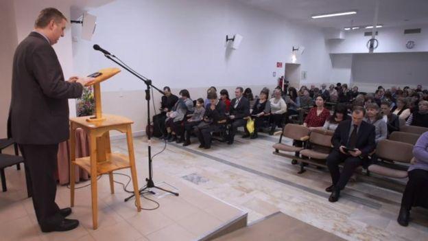 Reunión de Testigos de Jehová en Rusia.