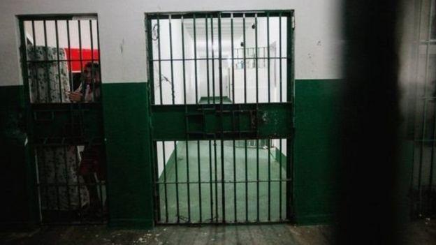 ब्राज़ील की अधिकतर जेलों में क्षमता से ज़्यादा क़ैदी हैं. (फ़ाइल चित्र)