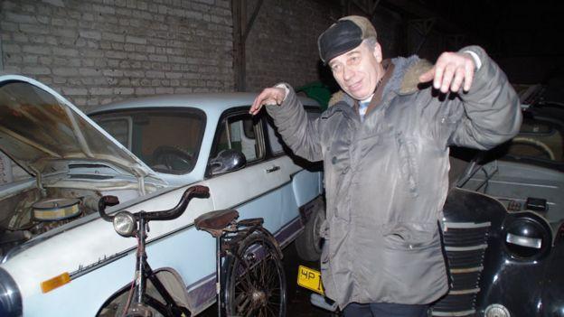 Автівка, велосипед та Олександр Осєтров