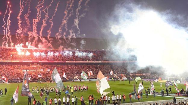 Estadio en Rotterdam.