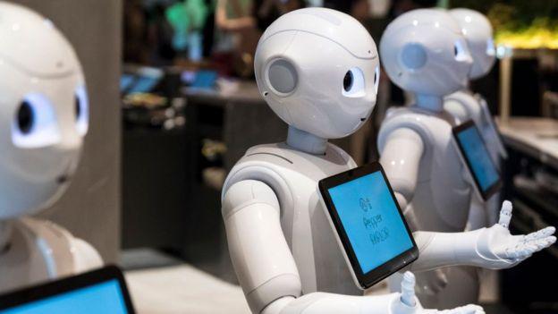 Robots en una exposición en Japón