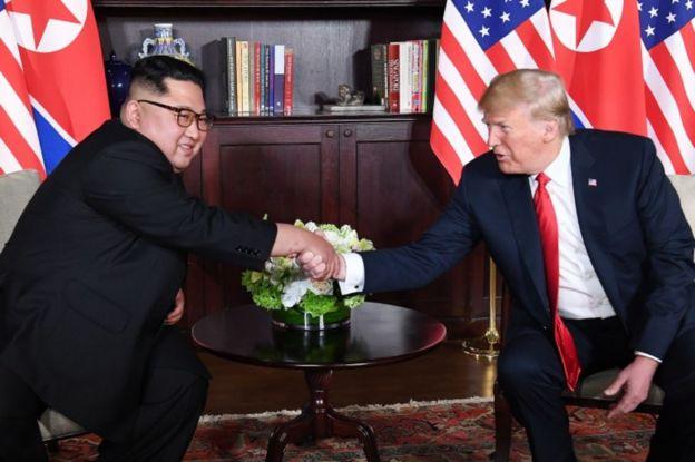 Kim Jong-un y Donald Trump en su cumbre en Singapur.