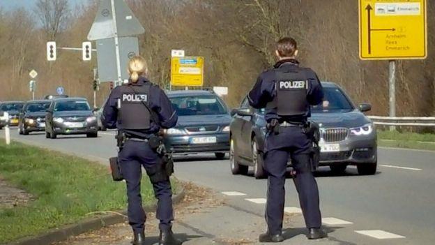 Control de carretera en Kleve, Alemania