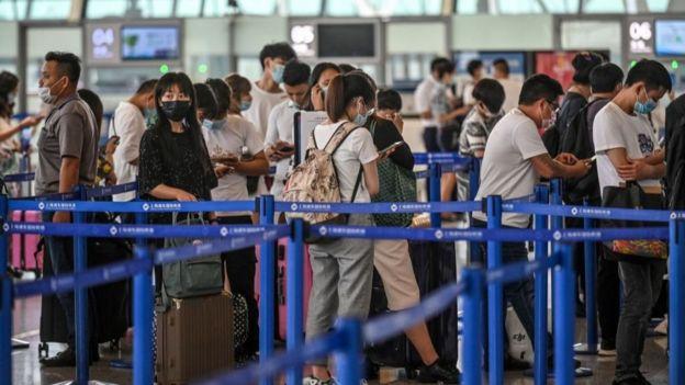 Очередь в аэропорту Шанхая