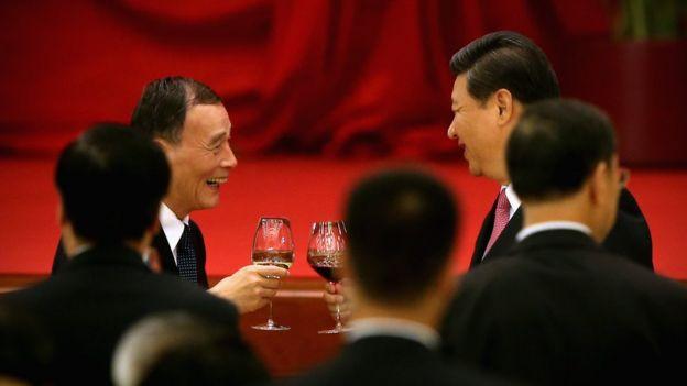 习近平(右)与王岐山