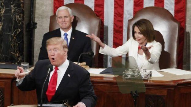 Pimpinan Kongres dari Demokrat, Nancy Pelosi saat Presiden Trump menyampaikan pidato kenegaraan pada 5 Februari 2019.