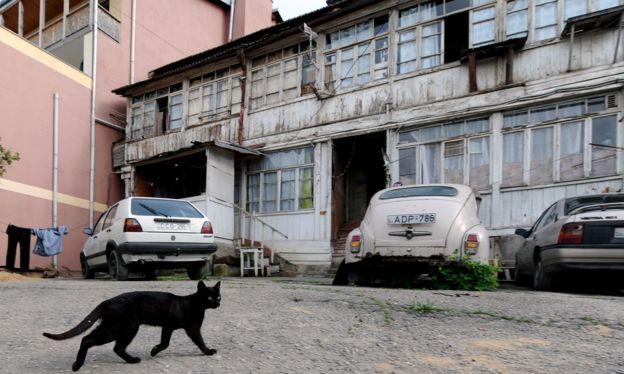 Улица в старом Тбилиси