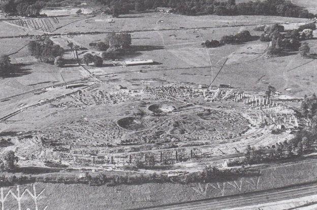 Local da construção do estádio de Wembley na década de 1920