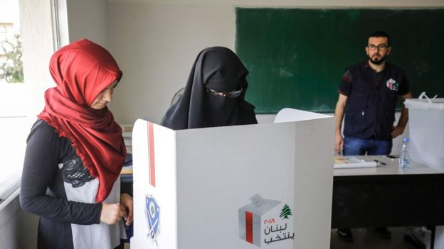 Women vote in Tripoli