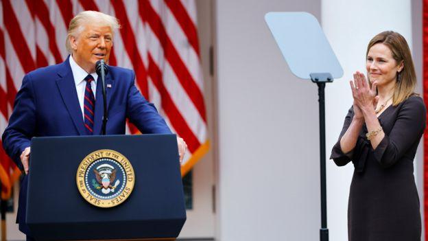 Donald Trump y Amy Coney Barrett en la Casa Blanca