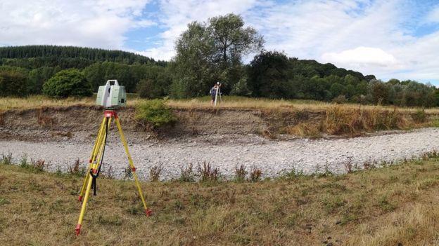 Área seca de rio no Reino Unido