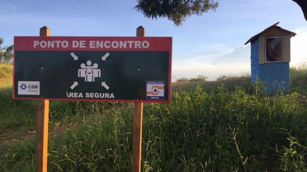 Uma das rotas de evacuação da região da barragem