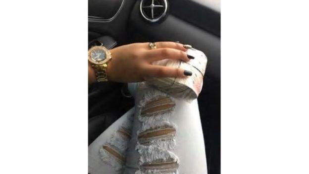 joias, relógios de ouro e dinheiro