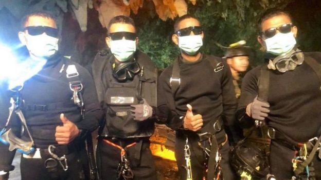 Bốn nhân viên Hải quân SEAL Thái Lan cuối cùng ra khỏi hang